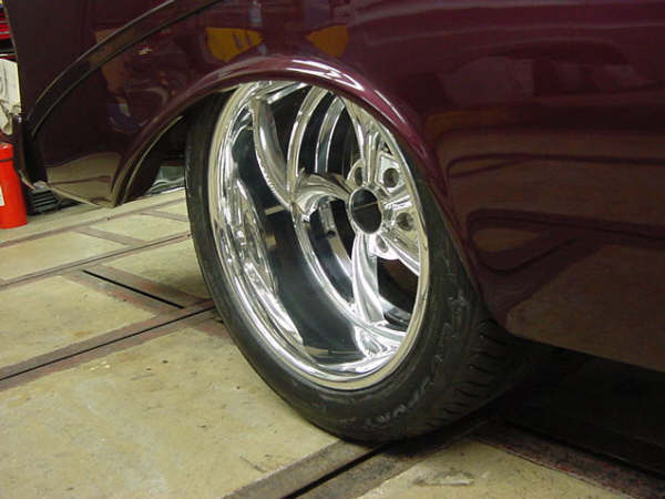 Pro Touring Wheels And Tires >> who all makes a 345/35/18 tire