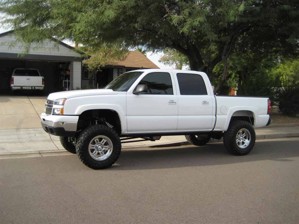 All Chevy chevy 2006 : 2006 Chevy Silverado CC 1500 Lifted