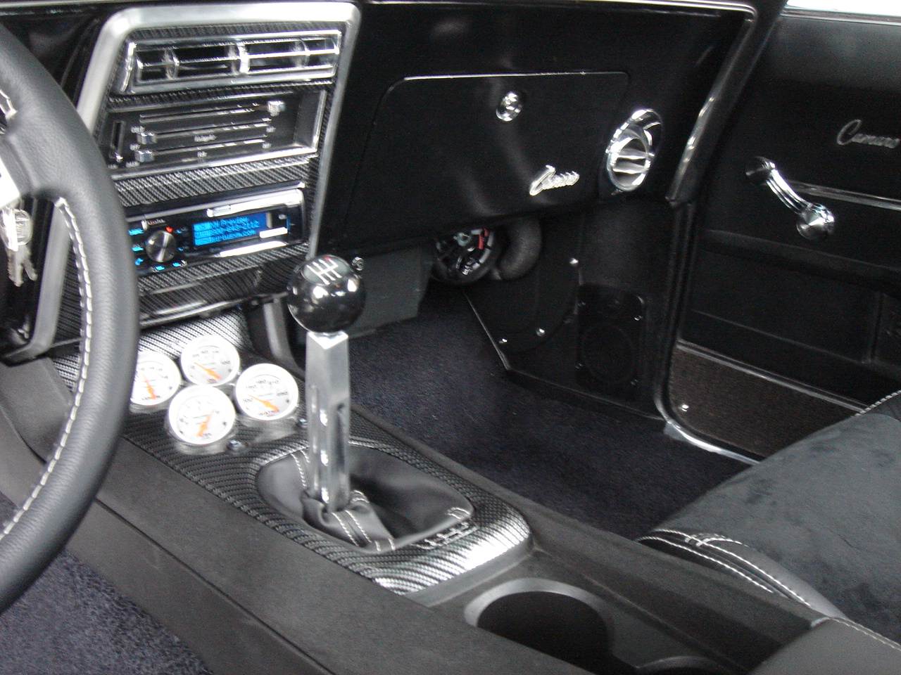 6Th Gen Camaro >> A few Interior pics of my 68' camaro with single din radio ...