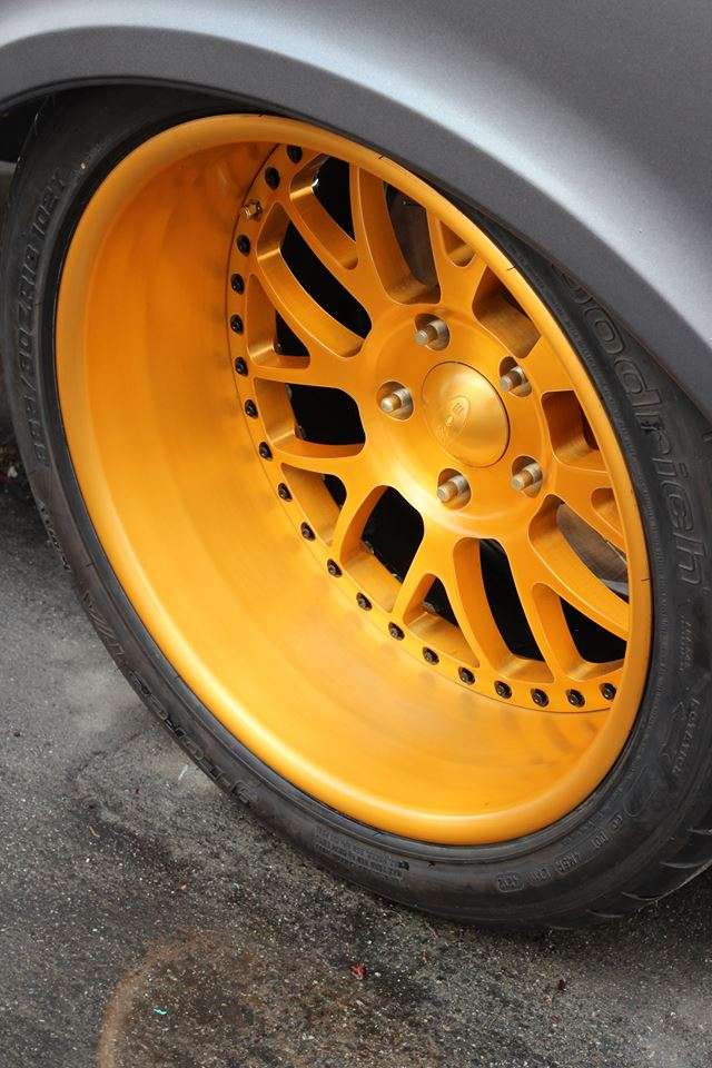 Boze Alloys 18x12 Mesh Wheels on our C10R
