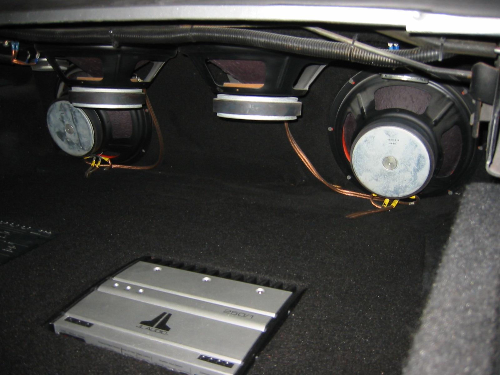 71 camaro subwoofer. Black Bedroom Furniture Sets. Home Design Ideas