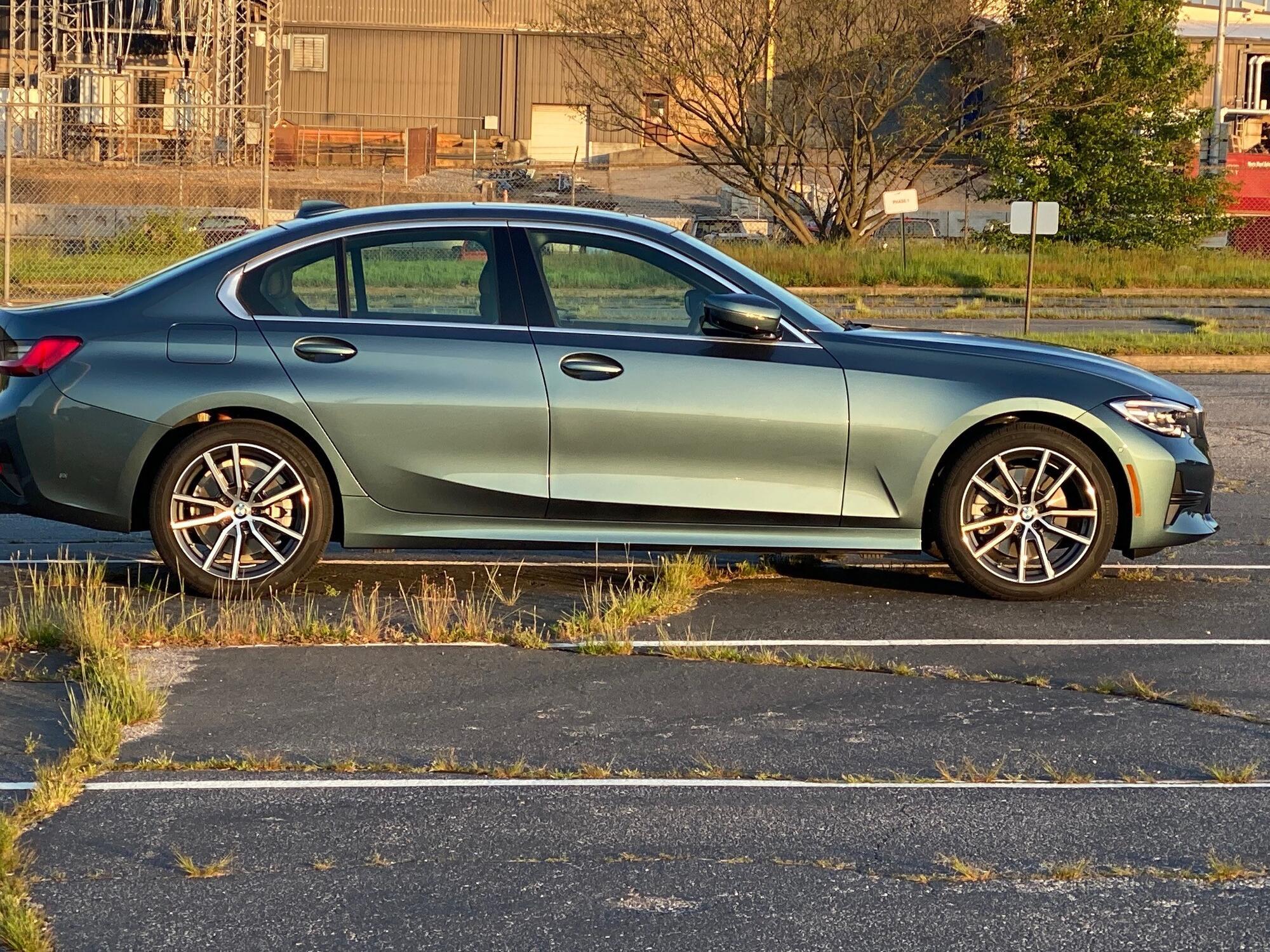 Name:  BMW_blue ridge mountain metallic.jpg Views: 329 Size:  669.7 KB